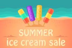 Vendita di estate in un negozio di gelato Ghiacciolo Onde di oceano e della spiaggia su un fondo Immagine Stock Libera da Diritti