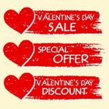 Vendita di giorno di biglietti di S. Valentino e sconto, offerta speciale con i cuori nella r Fotografia Stock Libera da Diritti