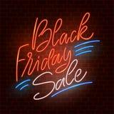 Vendita nera di venerdì Segno al neon Immagini Stock Libere da Diritti