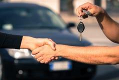 Vendite dell'automobile fotografia stock libera da diritti