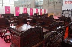 Vendite di mostra della mobilia del palissandro Fotografia Stock