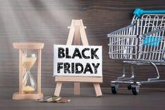 Vendite di venerdì, affare e concetto neri di profitti immagine stock