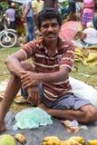 Venditore ambulante locale che vende le banane Immagine Stock Libera da Diritti