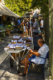 Venditore dei dadi e della frutta secca a Atene, Grecia Fotografia Stock