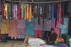 Venditore dell'abbigliamento Immagini Stock