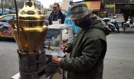 Venditore della bevanda tradizionale Salepi fotografia stock