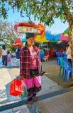 Venditore di alimento della via, Kyaiktiyo, Myanmar Fotografia Stock Libera da Diritti