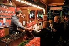 Venditore di alimento di Natale Immagine Stock