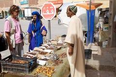 Venditore di berber della frutta delle date Fotografie Stock Libere da Diritti