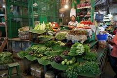 Venditore indiano al nuovo mercato, Calcutta, India fotografie stock libere da diritti