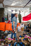 Venditore nel mercato turco a Costantinopoli fotografie stock