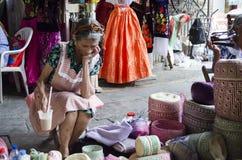 Venditore in un mercato Fotografie Stock