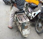 Venditore vietnamita dell'anguria fotografie stock libere da diritti