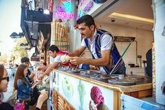 Venditori del dondurma a Costantinopoli immagini stock