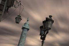 Vendome fyrkant i Paris på skymning arkivbild