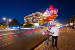 Vendor selling balloons at evening Phnom Penh, Cambodia Royalty Free Stock Photography