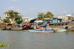 Vendors sell at Cai Rang floating market Stock Images