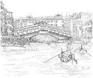 Venecia - canal magnífico Vista del puente de Rialto Foto de archivo libre de regalías