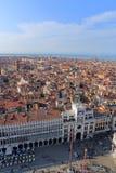 VENECIA - 9 DE ABRIL DE 2017: La opinión desde arriba sobre Venecia y San mA Fotografía de archivo