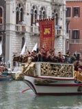VENECIA - 4 DE SEPTIEMBRE: el desfile de barcos históricos llevó a cabo septiembre Imagenes de archivo