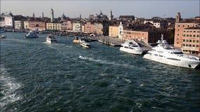 Venecia del canal de Giudecca almacen de video
