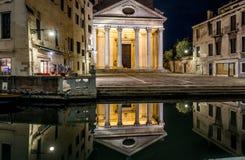 Venecia en la noche, Italia foto de archivo libre de regalías