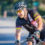 VENECIA, FL - 24 de abril - los ciclistas competitivos fuertes de todas partes del país participó en el paseo de Sharky el evento Fotografía de archivo libre de regalías