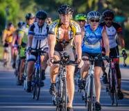 VENECIA, FL - 24 de abril - los ciclistas de todas partes del país participó en el paseo de Sharky el evento de las playas en Eng Imágenes de archivo libres de regalías
