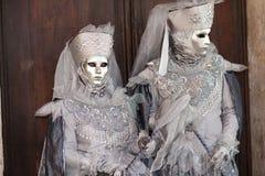 VENECIA, ITALIA - 16 DE FEBRERO: máscara veneciana Imágenes de archivo libres de regalías
