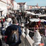 Venecia, Italia, en febrero una de los carnavales más famosos del mundo para experimentarla en la primera persona foto de archivo libre de regalías