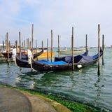 Venecia, Italia Góndolas en el canal Fotos de archivo libres de regalías