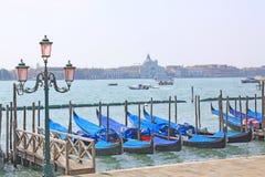 Venecia, Italia gondolas Imágenes de archivo libres de regalías