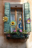 VENECIA, ITALY/EUROPE - 12 DE OCTUBRE: Ventana en Venecia Italia en Oc Imagenes de archivo