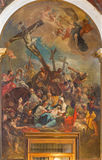 Venecia - la crucifixión de Girolam Brusaferro (1684 - 1726) en la iglesia Chiesa di San Moise imagen de archivo