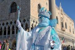 Venecia - máscara delante de Palazzo Ducale Fotos de archivo libres de regalías