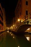 Venecia por noche Foto de archivo libre de regalías