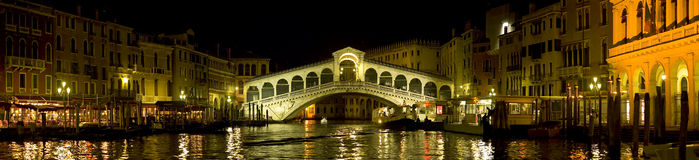 Venecia - puente de Rialto fotos de archivo libres de regalías