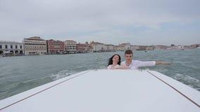 Venecia que camina romántica almacen de video