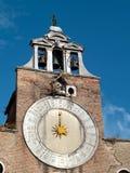 Venedig - belltowerklocka royaltyfria bilder