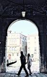 Venedig-Bogen mit Kanal und Leuten Lizenzfreie Stockbilder