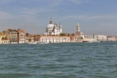 Venedig cityscape, siktsfronlagun italy Arkivfoto