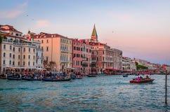 Venedig cityscapesikt på San Marco fyrkantig och storslagen kanal, Venic Arkivfoto