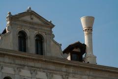 Venedig fasad av en forntida slott arkivbilder