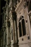 Venedig, Fassade Sans Rocco School, nachts stockfotografie