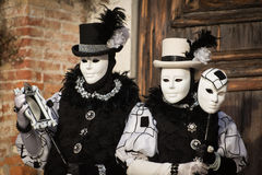 Venedig - 6. Februar 2016: Bunte Karnevalsmaske durch die Straßen von Venedig Lizenzfreie Stockfotografie