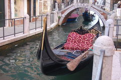 Venedig-Gondel im Ruhezustand Lizenzfreie Stockfotografie