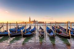 Venedig gondoler på soluppgång, Venedig, Italien arkivbild