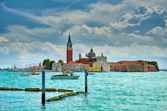 Venedig - Grand Canal och basilika Santa Maria della Salute Arkivfoto