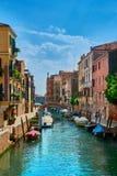 Venedig - Grand Canal och basilika Santa Maria della Salute Royaltyfria Foton