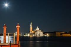Venedig i natten Fotografering för Bildbyråer